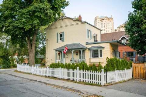 House for sale at 32 Louisa St Toronto Ontario - MLS: W4930413