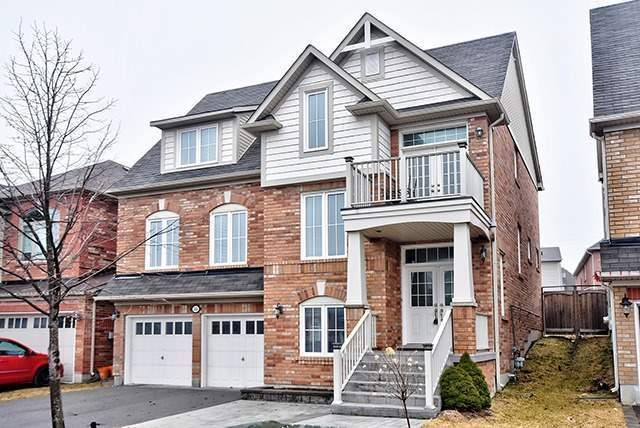 House for sale at 32 Mae Brooks Drive Newmarket Ontario - MLS: N4272786