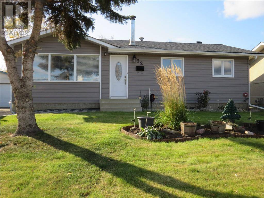 House for sale at 32 Moberly Cres Fort Mcmurray Alberta - MLS: fm0180932