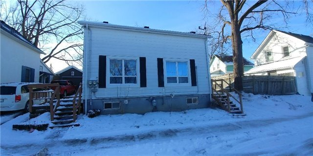 For Sale: 32 Superior Street, Newmarket, ON   4 Bed, 2 Bath Townhouse for $549,900. See 13 photos!