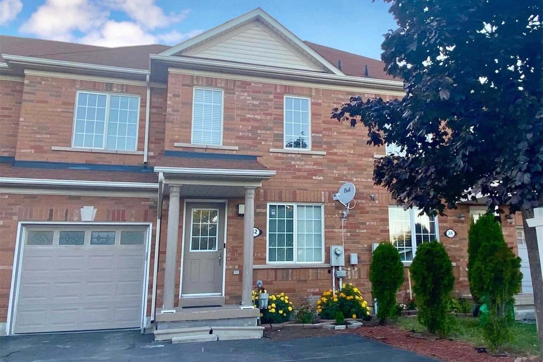 Townhouse for sale at 32 Tianalee Cres Brampton Ontario - MLS: W4920541