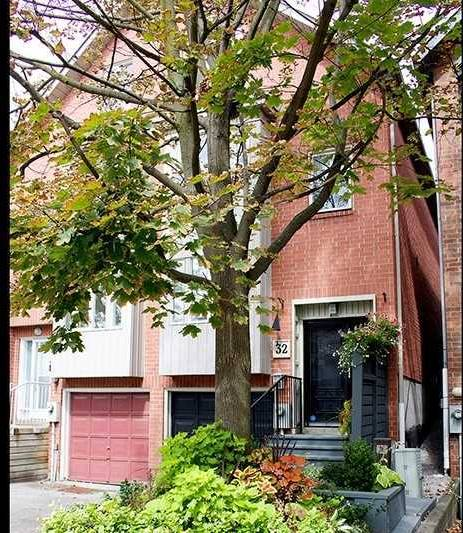 Townhouse for sale at 32 Woodrow Ave Toronto Ontario - MLS: E4573005