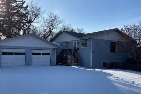 House for sale at 320 1st Ave Hanley Saskatchewan - MLS: SK799999
