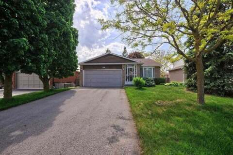 House for sale at 320 Darlington Cres Newmarket Ontario - MLS: N4782423