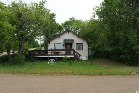 House for sale at 320 Douglas Ave Manitou Beach Saskatchewan - MLS: SK800751