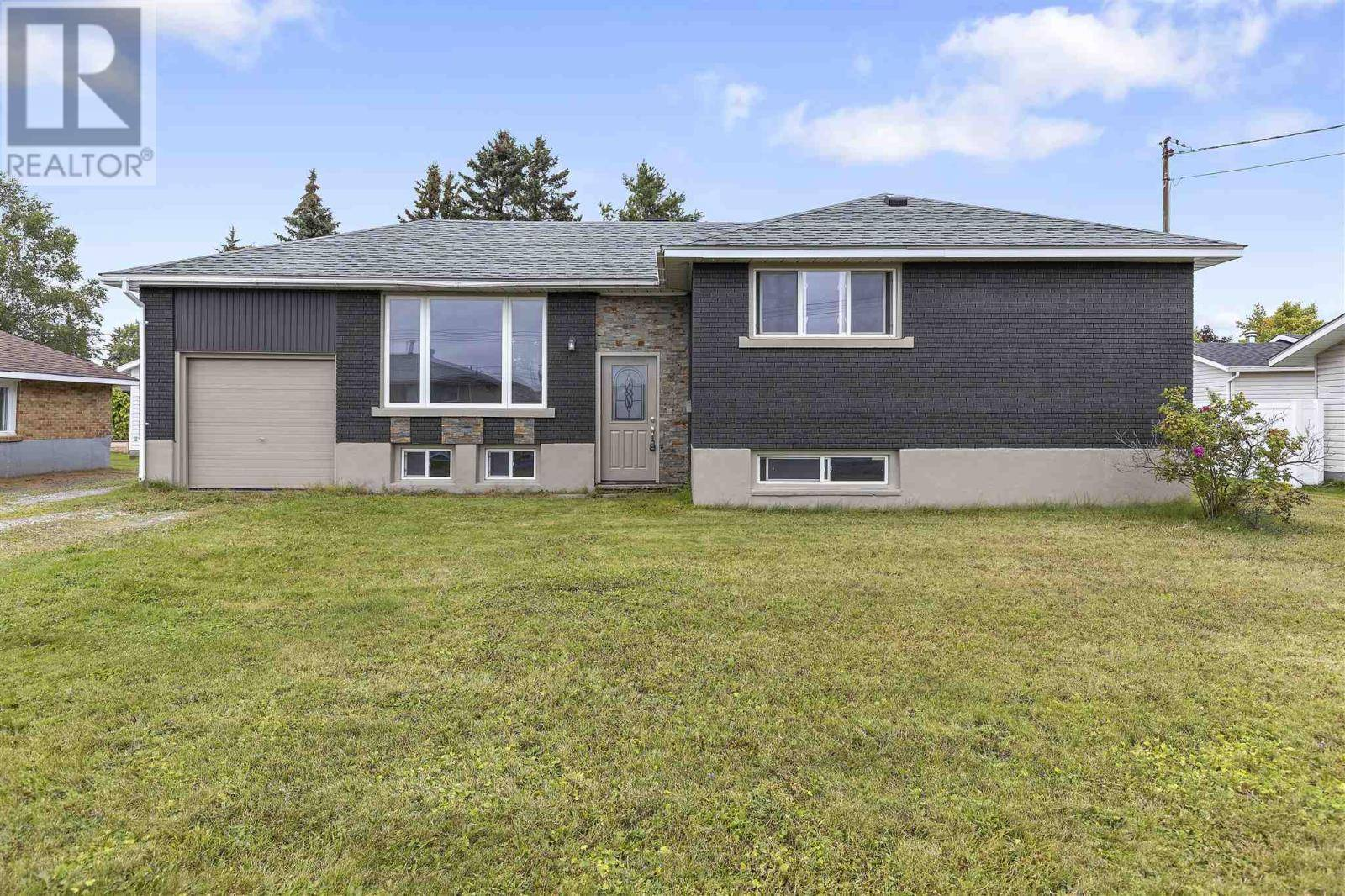 House for sale at 320 Sydenham Rd Sault Ste. Marie Ontario - MLS: SM126537