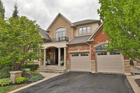 House for sale at 3200 Ribble Cres Oakville Ontario - MLS: W4897107