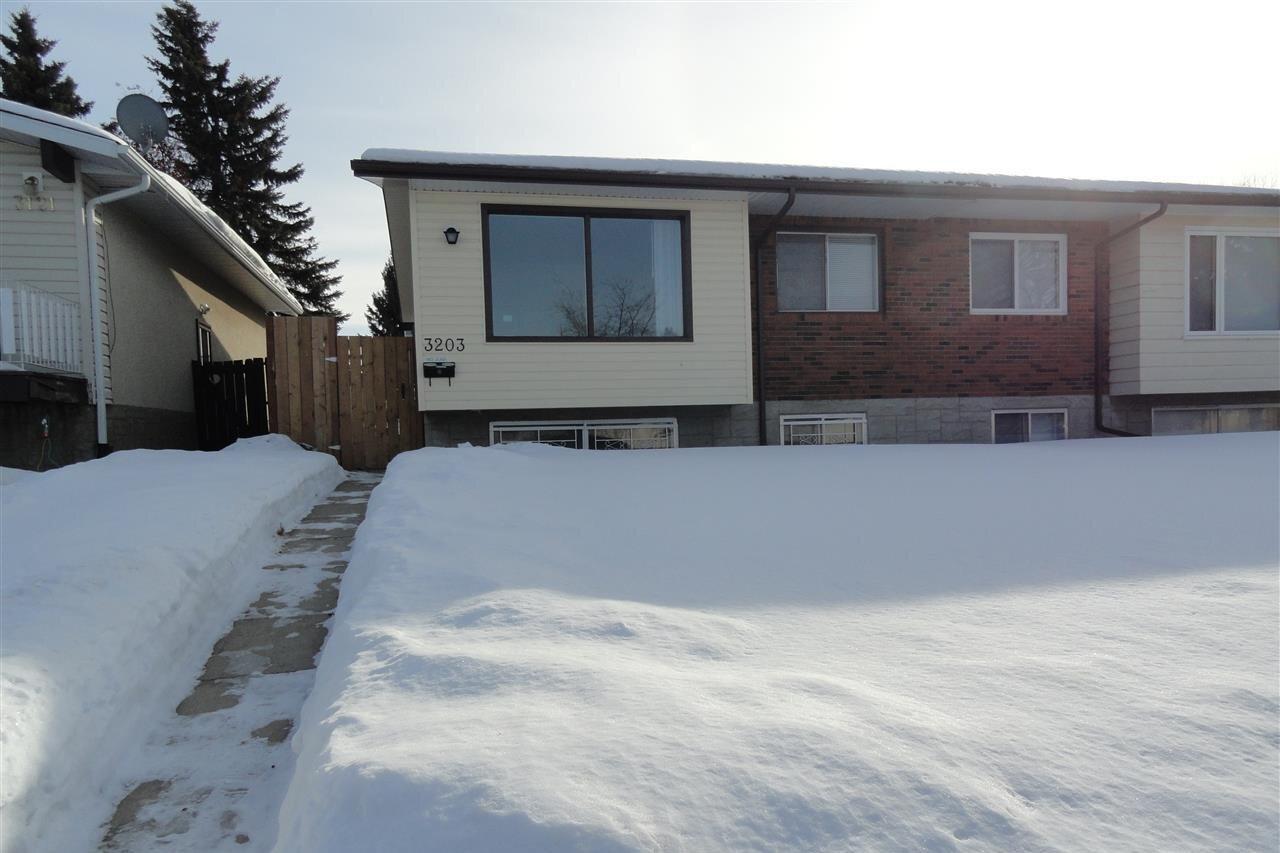 Townhouse for sale at 3203 113 Av NW Edmonton Alberta - MLS: E4222214
