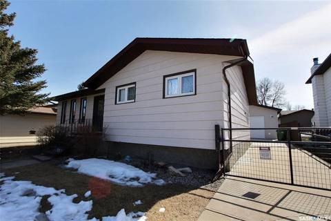 House for sale at 3205 Bliss Cres Prince Albert Saskatchewan - MLS: SK800774