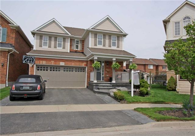 For Sale: 3205 Munson Crescent, Burlington, ON | 3 Bed, 3 Bath House for $849,900. See 20 photos!