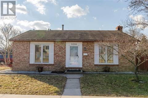 House for sale at 3206 Forest Glade  Windsor Ontario - MLS: 19015412