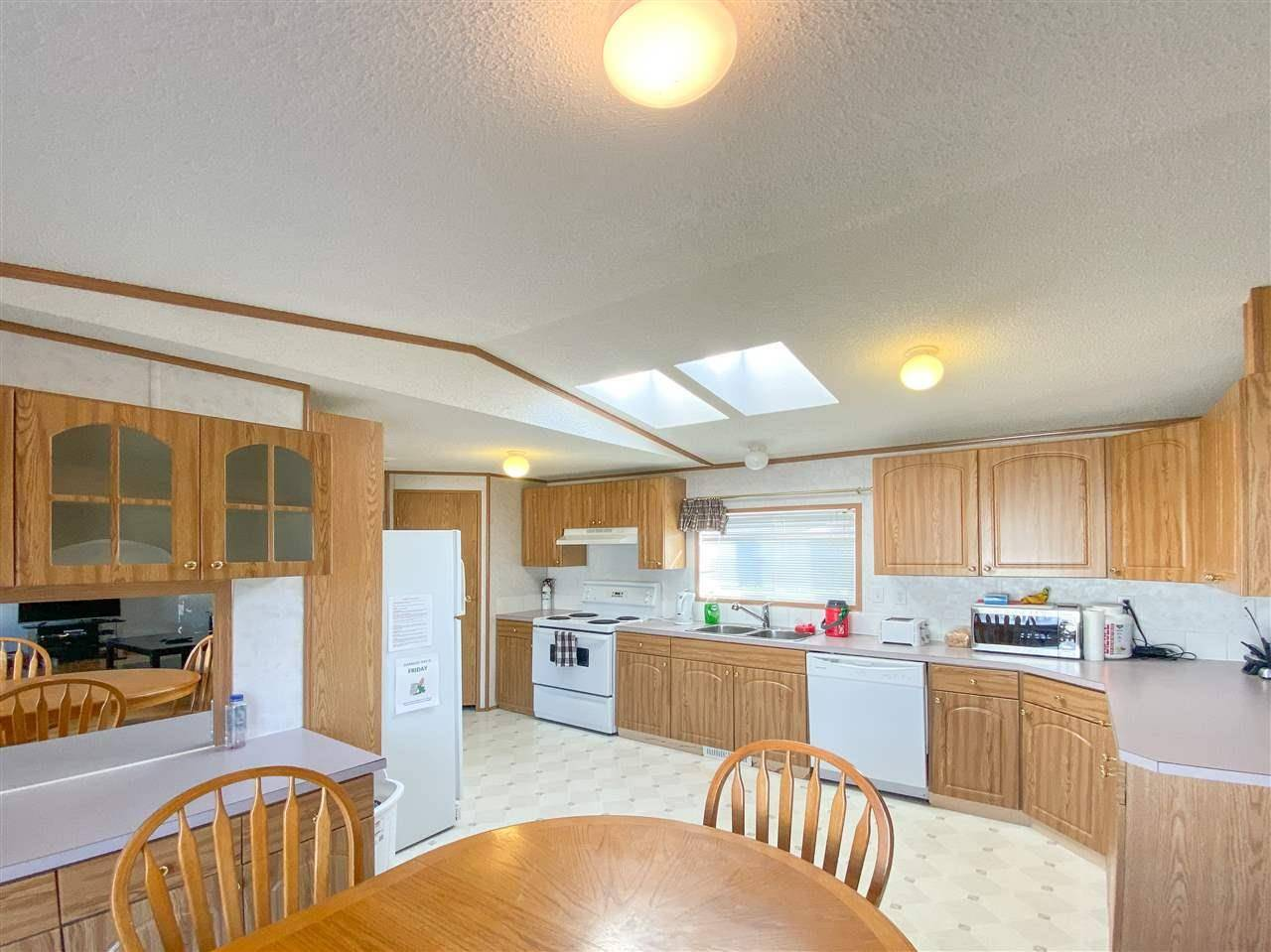 Home for sale at 3206 Lakewood Cs Nw Edmonton Alberta - MLS: E4177391