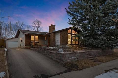 House for sale at 321 Banister Dr Okotoks Alberta - MLS: C4291056