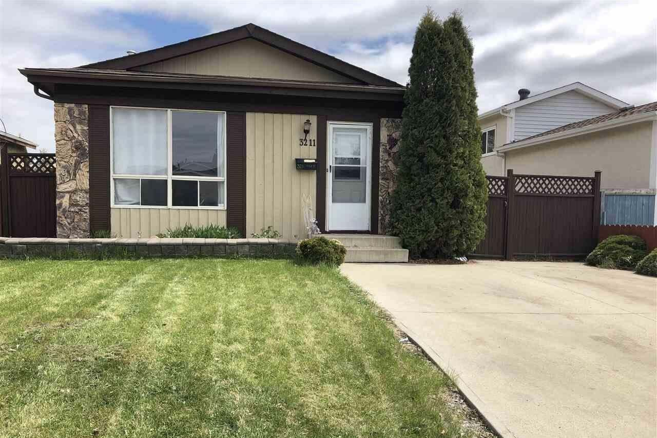 House for sale at 3211 44a St NW Edmonton Alberta - MLS: E4197260