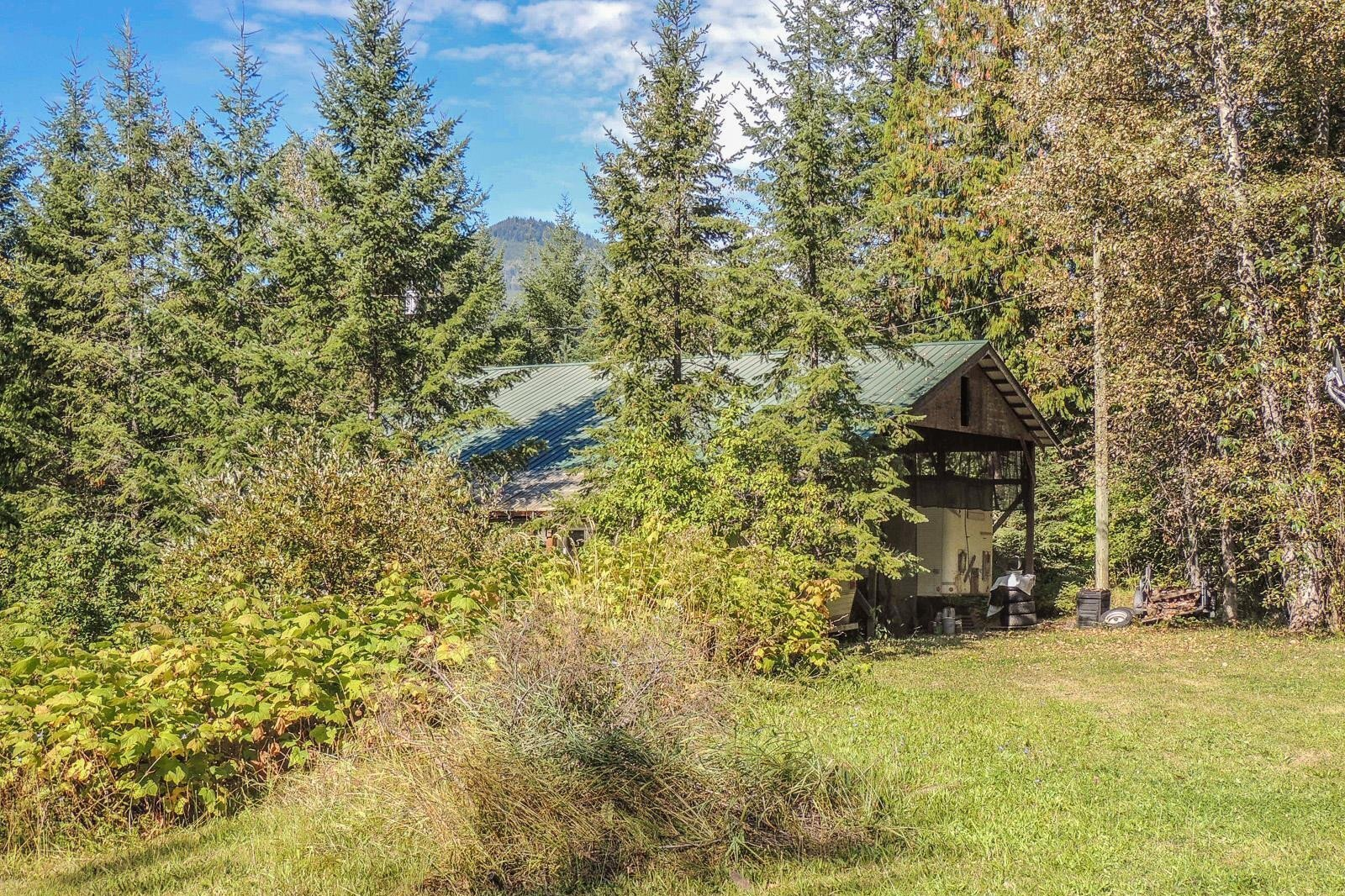 House for sale at 3211 Lumby Mabel Lake Rd Lumby British Columbia - MLS: 10216751