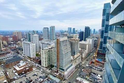 Apartment for rent at 11 Wellesley St Unit 3212 Toronto Ontario - MLS: C4853290