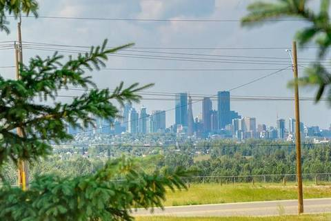 Condo for sale at 3212 Valleyview Pk Southeast Calgary Alberta - MLS: C4257688
