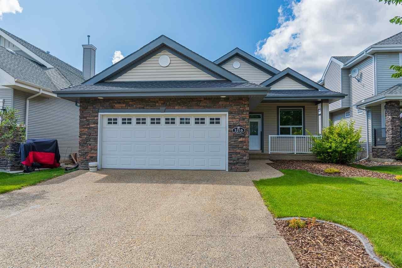 House for sale at 3216 Tredger Cl NW Edmonton Alberta - MLS: E4219073
