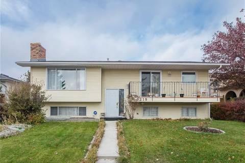 House for sale at 3219 48 St Northeast Calgary Alberta - MLS: C4272675