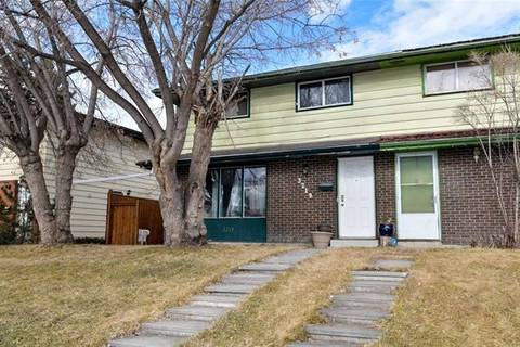 Townhouse for sale at 3219 Doverville Cres Southeast Calgary Alberta - MLS: C4242238