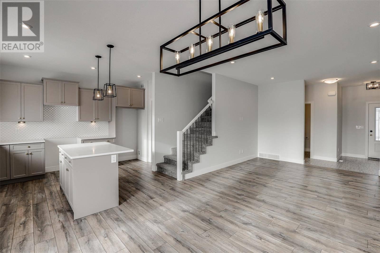 House for sale at 322 Burgess Cres Saskatoon Saskatchewan - MLS: SK783410