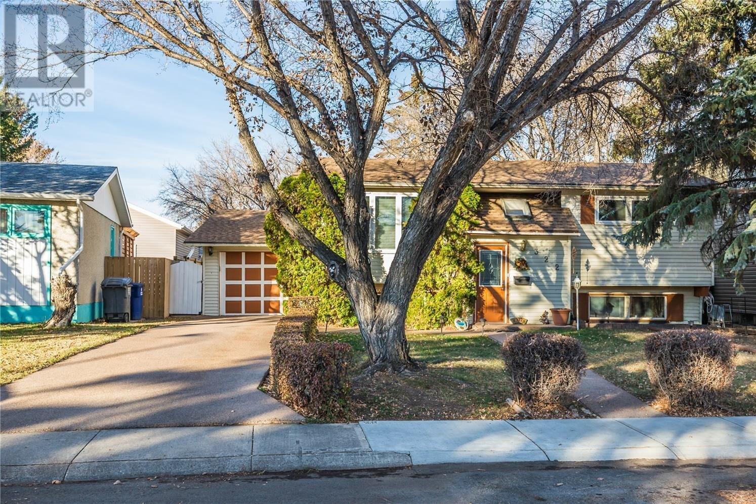 House for sale at 322 Campion Cres Saskatoon Saskatchewan - MLS: SK831938