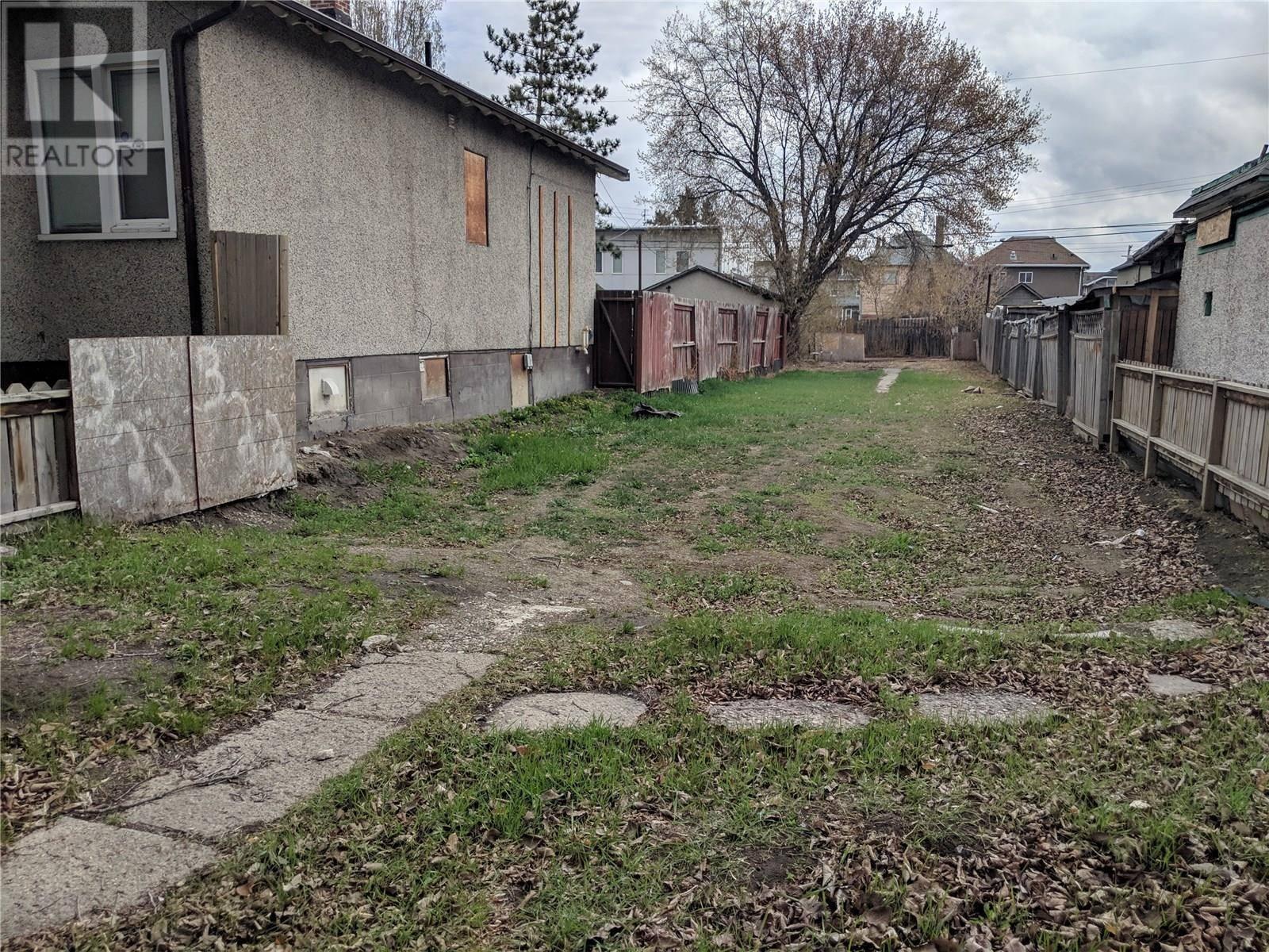 Residential property for sale at 322 E Ave S Saskatoon Saskatchewan - MLS: SK762267