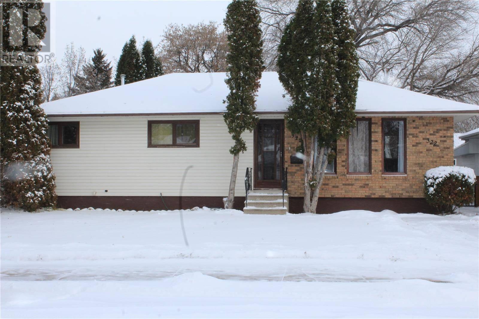 House for sale at 322 V Ave N Saskatoon Saskatchewan - MLS: SK790647