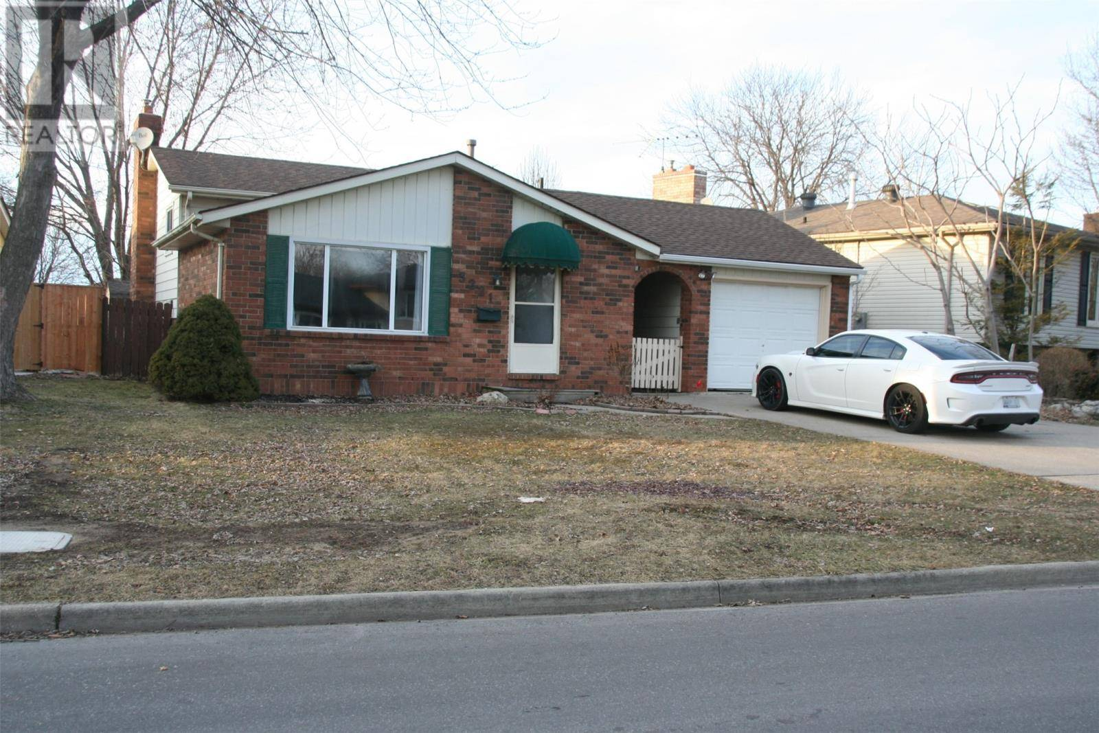 House for sale at 3221 Halpin Rd Windsor Ontario - MLS: 20003016