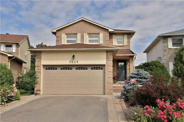 For Sale: 3225 Osbourne Road, Mississauga, ON | 4 Bed, 4 Bath House for $950,000. See 20 photos!