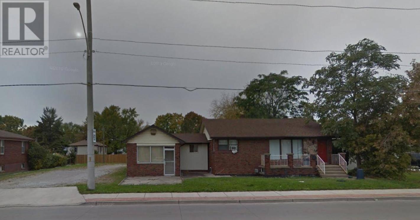 House for sale at 3225 Walker Rd Windsor Ontario - MLS: 19029060