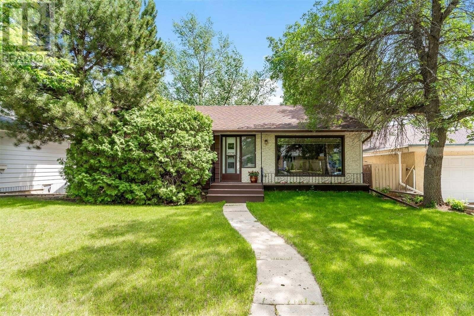 House for sale at 3225 Whitmore Ave Regina Saskatchewan - MLS: SK815643