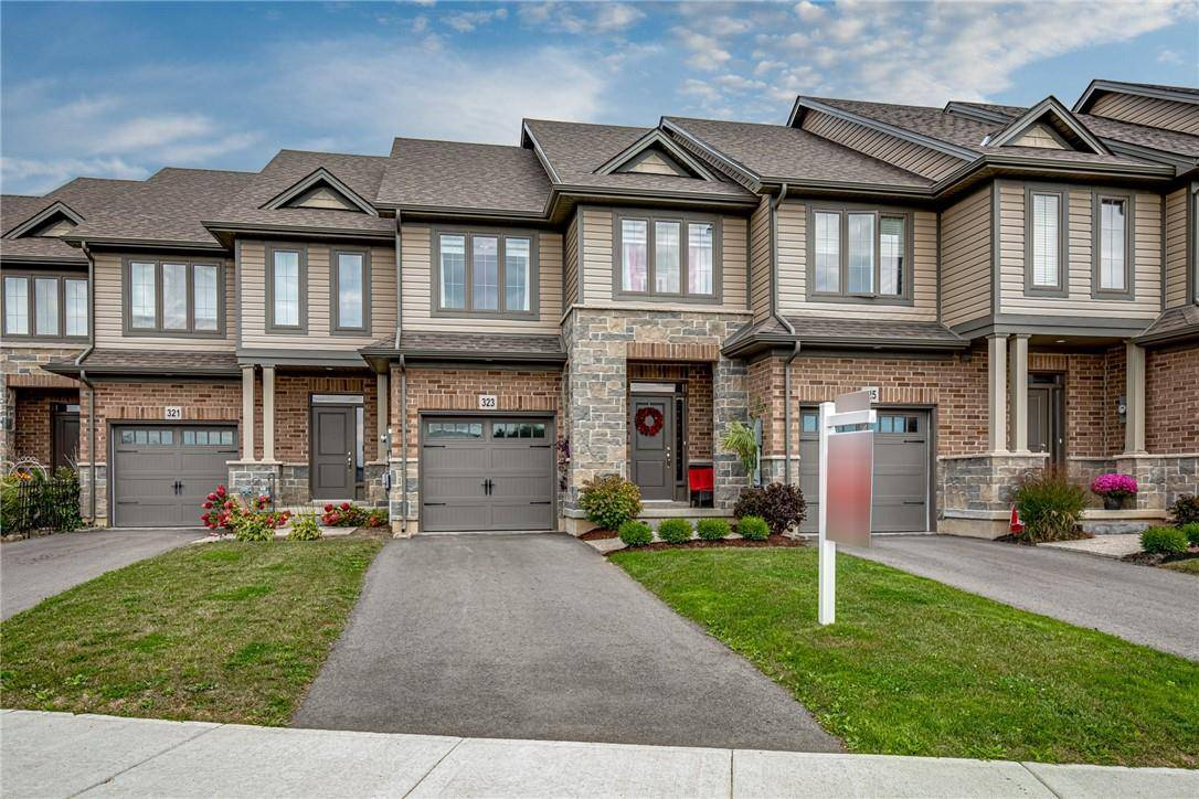 Townhouse for sale at 323 Frances Ave Stoney Creek Ontario - MLS: H4062699