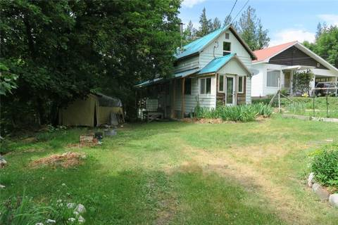 House for sale at 323 Victoria St Silverton British Columbia - MLS: 2434854
