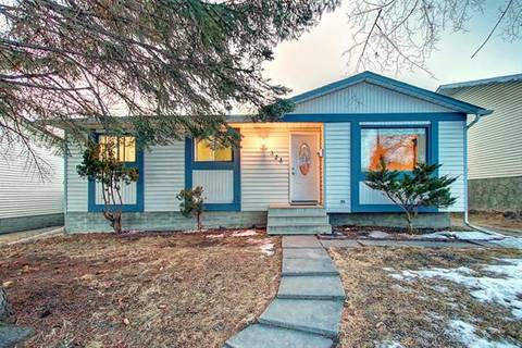 323 Whiteview Road Northeast, Calgary | Image 1