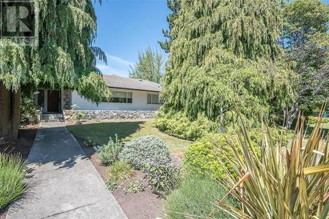 House for sale at 3230 Henderson Rd Victoria British Columbia - MLS: 412223