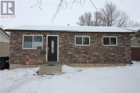 House for sale at 3230 Milton St Saskatoon Saskatchewan - MLS: SK797579
