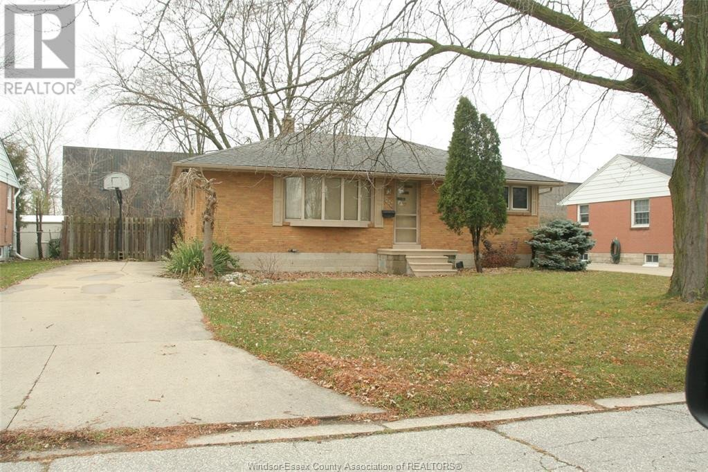 House for sale at 3231 Woodlawn Ave Windsor Ontario - MLS: 20015797