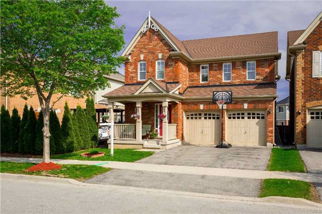 For Sale: 3233 Munson Crescent, Burlington, ON | 4 Bed, 3 Bath House for $829,900. See 20 photos!