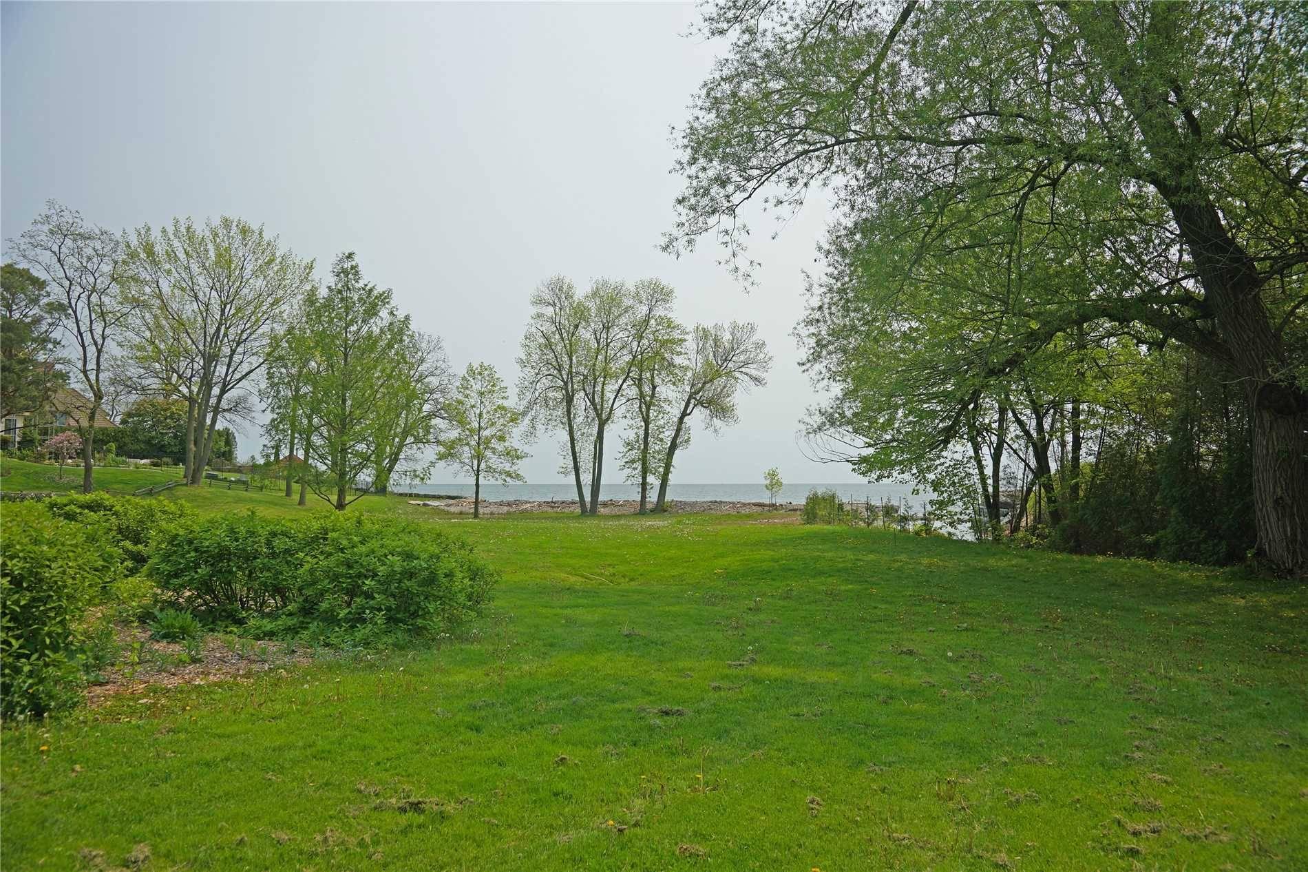 House for sale at 3234 Shoreline Dr Oakville Ontario - MLS: W4461473