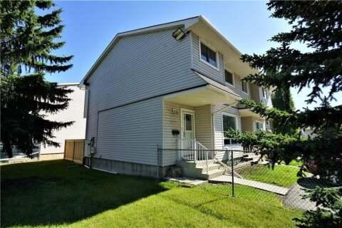 Townhouse for sale at 3235 56 St NE Calgary Alberta - MLS: C4305725