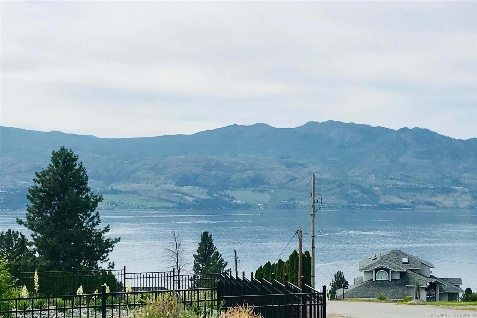 Residential property for sale at 3235 King Rd West Kelowna British Columbia - MLS: 10201258
