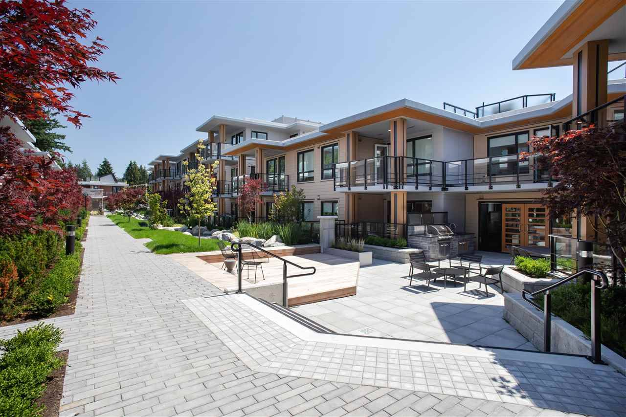 Buliding: 3220 Connaught Crescent, North Vancouver, BC