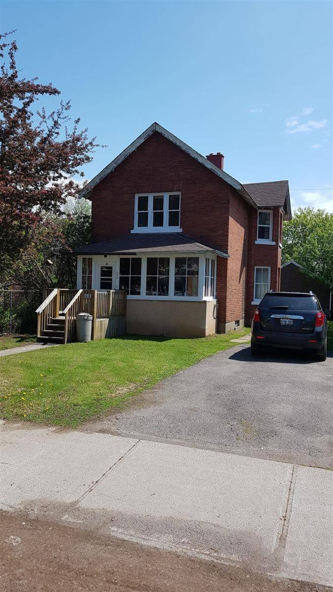 House for sale at 324 Marks St N Thunder Bay Ontario - MLS: TB191800