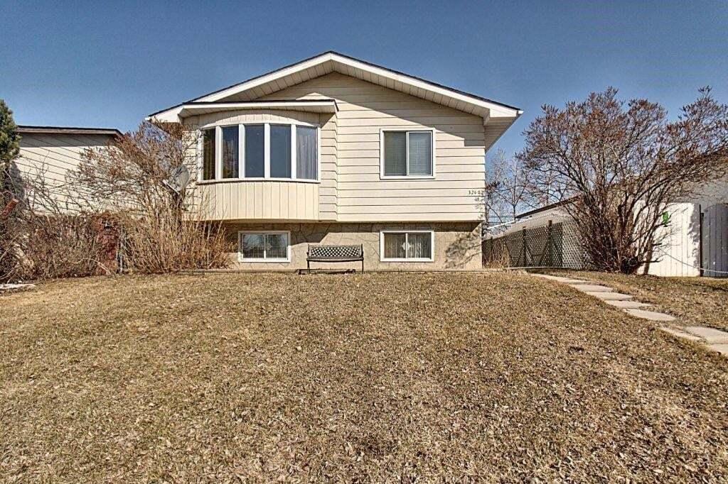 House for sale at 3240 Dover Ridge Dr SE Dover, Calgary Alberta - MLS: C4296050