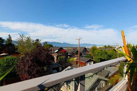Townhouse for sale at 3241 2nd Ave W Vancouver British Columbia - MLS: R2341939
