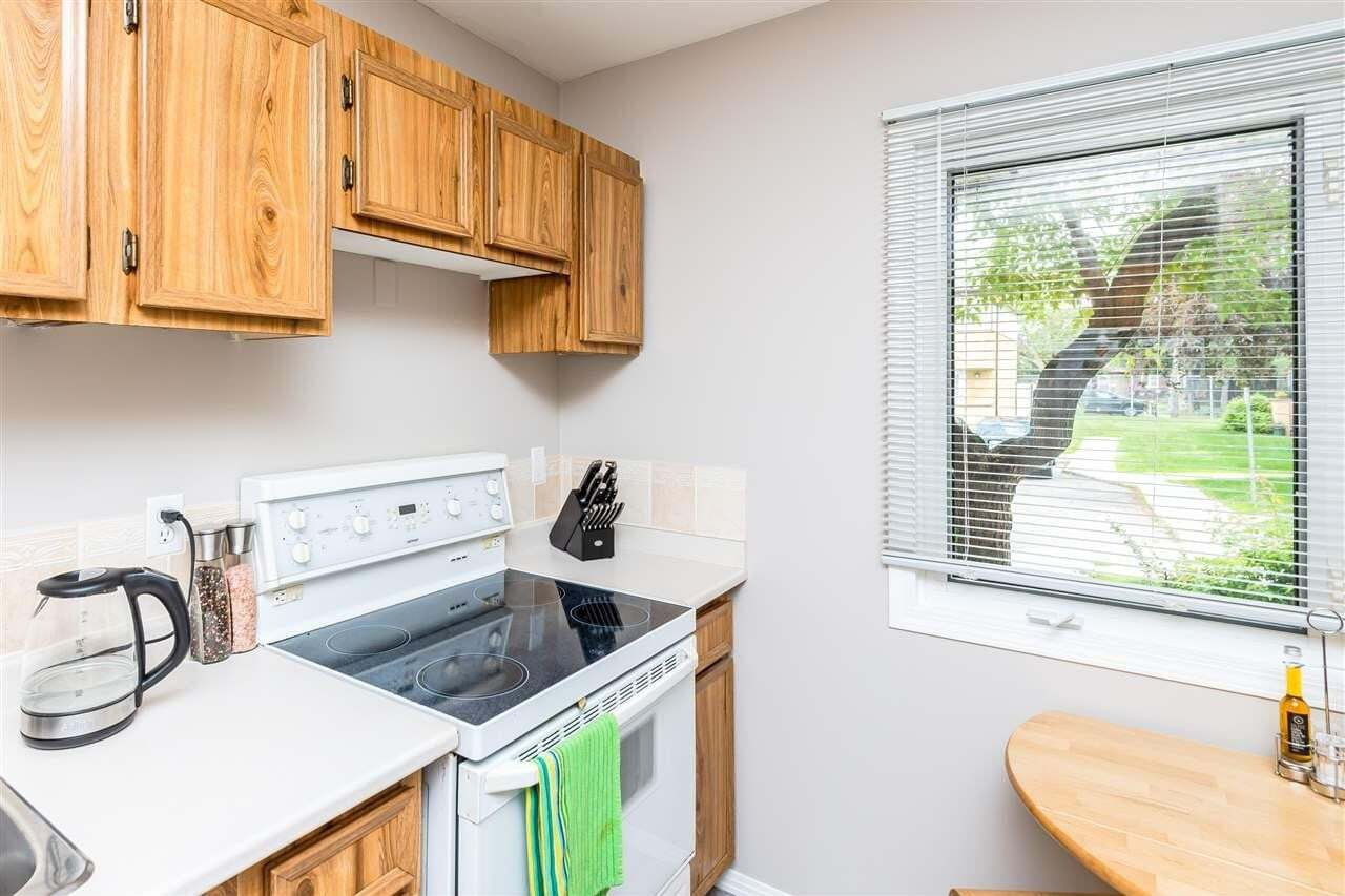 3243 139 Avenue NW, Edmonton | Image 2