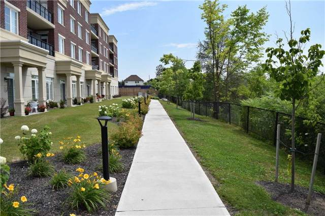 For Rent: 325 - 7 Bond Crescent, Richmond Hill, ON | 1 Bed, 2 Bath Condo for $1,950. See 16 photos!