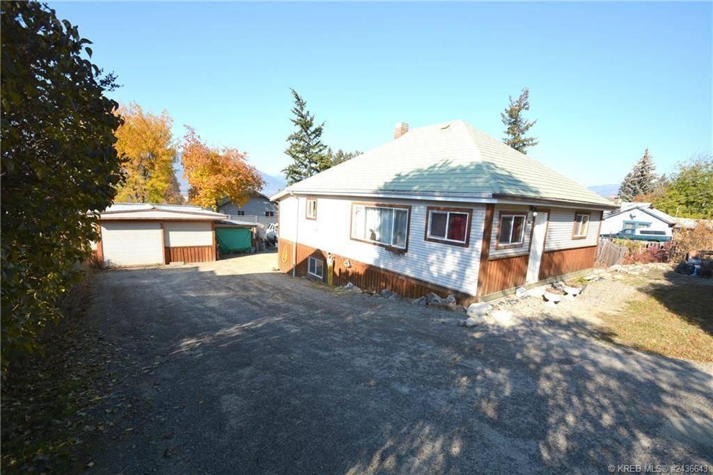 House for sale at 325 9th Avenue S  Creston British Columbia - MLS: 2436643