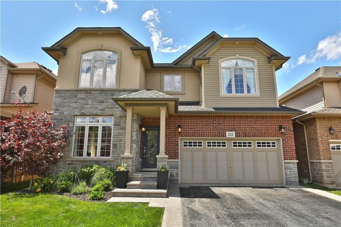 House for sale at 325 Montreal Circ Stoney Creek Ontario - MLS: H4081180